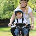Le porte-bébé vélo WeeRide K Luxe pour des balades en toute sécurité.