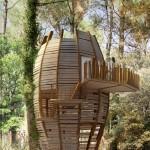 Vacances écolos dans une « pomme de pin » en Gironde