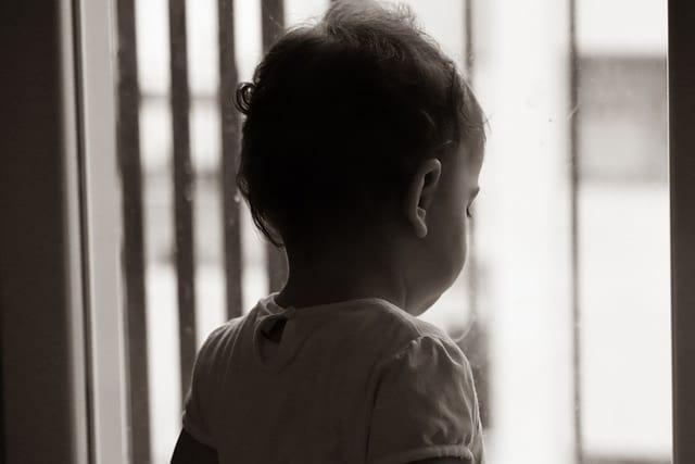 défenestration accidentelle enfant