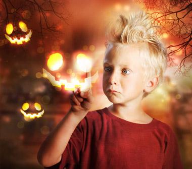 enfant cheveux dressé sur la tête de peur