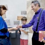 Des animateurs pour nous aider à visiter le Louvre en famille