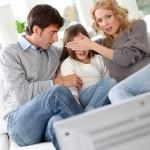Peut-on regarder les infos quand on est un enfant ?