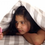 Téléphones portables sous l'oreiller : comment réagir ?