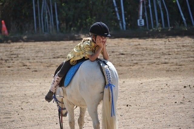 l'équitation conseillée aux enfants hyperactifs