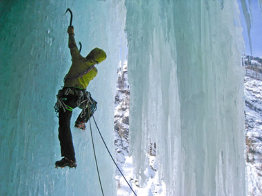 Escalade cascade de glace © OT Massif du Sancy