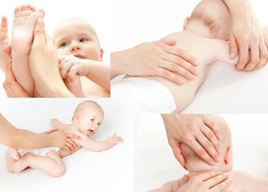 Bébé entre les mains d'un ostéopathe