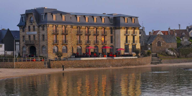 Facade-Castel-Beau-Site-Perros-Guirec-4-etoiles