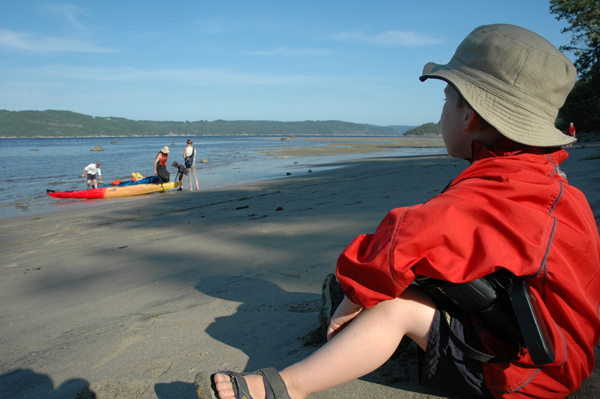 Village Vacances Petit-Saguenay - Kayak sur plage de l'Anse Sainte-Etienne