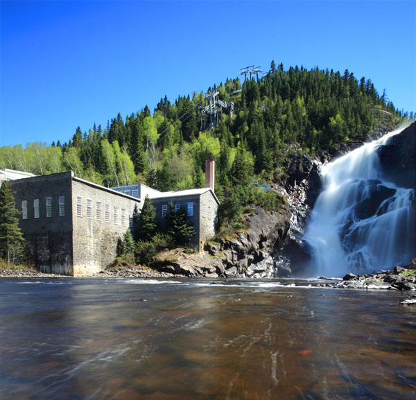 Val-Jalbert : moulin et chute Ouatchouan