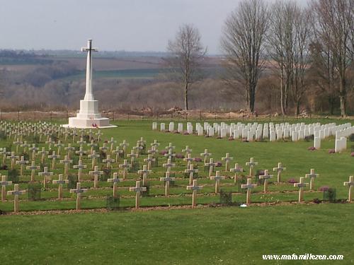 Memorial-Thiepval-cimetieres_mafamillezen.com