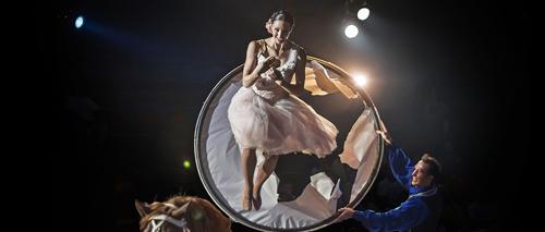 cirque-alexis-gruss-amazone
