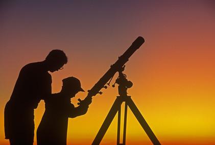 observation des étoiles avec téléscope
