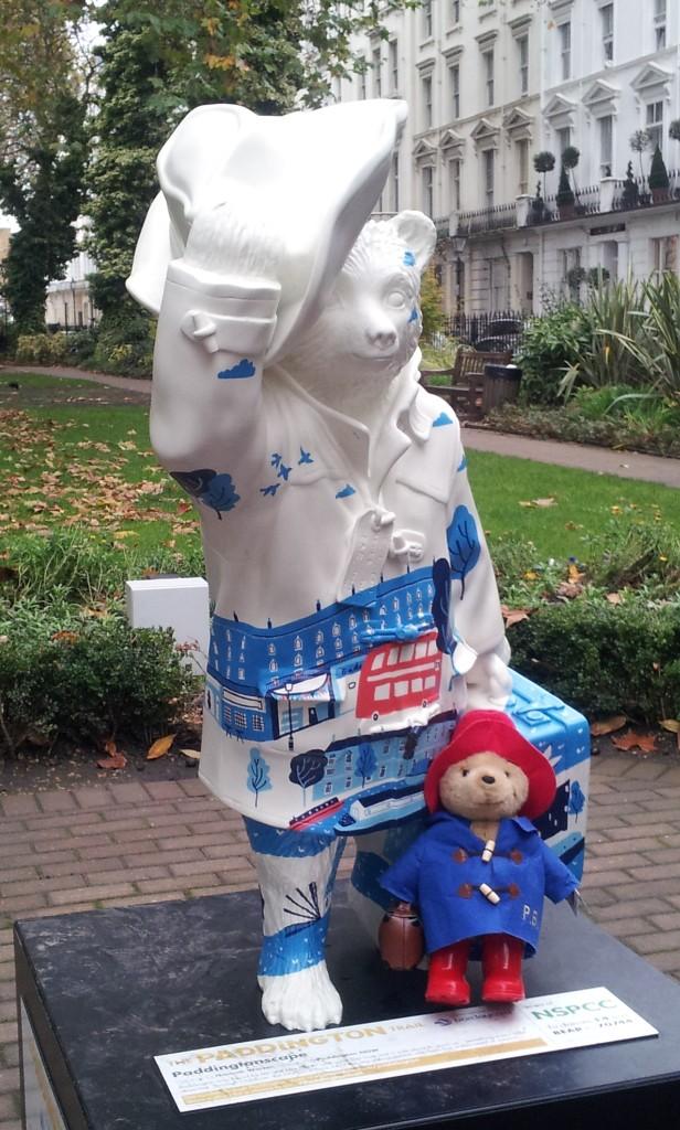 Statue de Paddington dans Norfolk Square