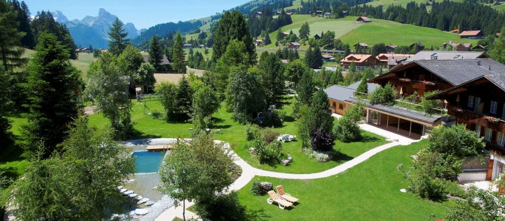 jardins de l'hotel Hornberg à Gstaad