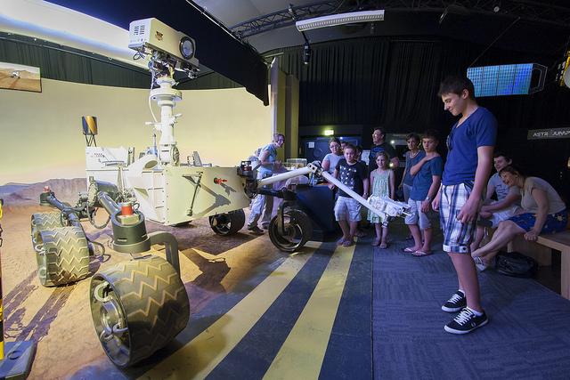 Cité de l'espace de Toulouse. Animations famille avec le robot Curiosity.