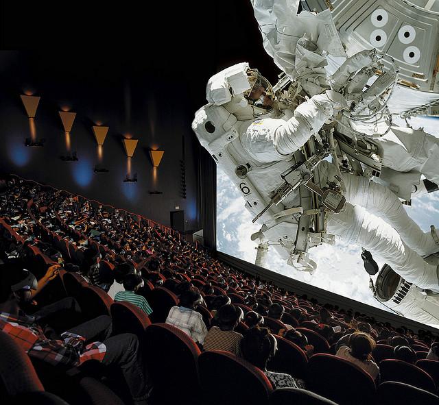 Cité de l'espace de Toulouse. Film 3D dans salle IMAX.