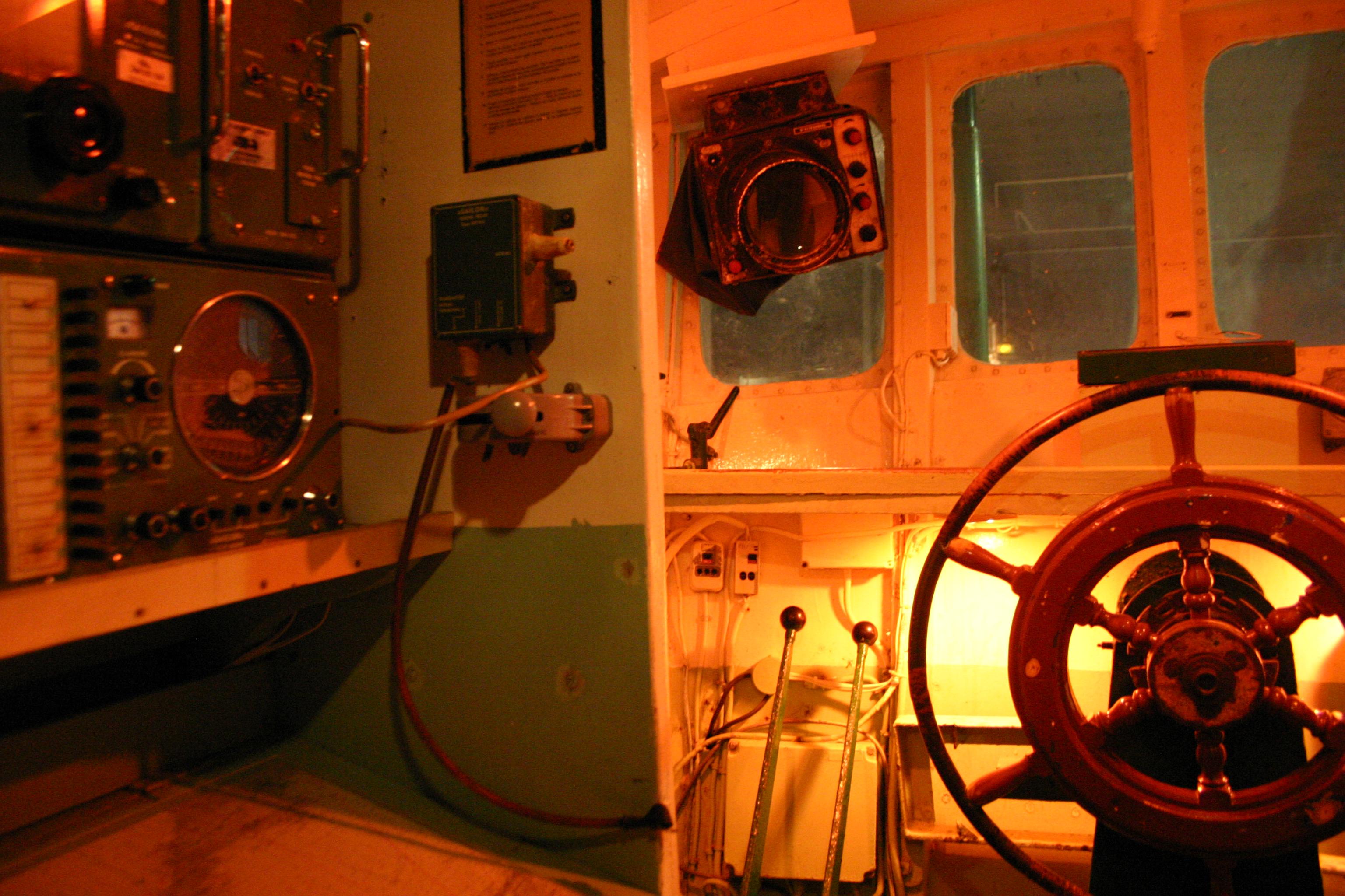 Port musée Douarnenez cabine chalutier