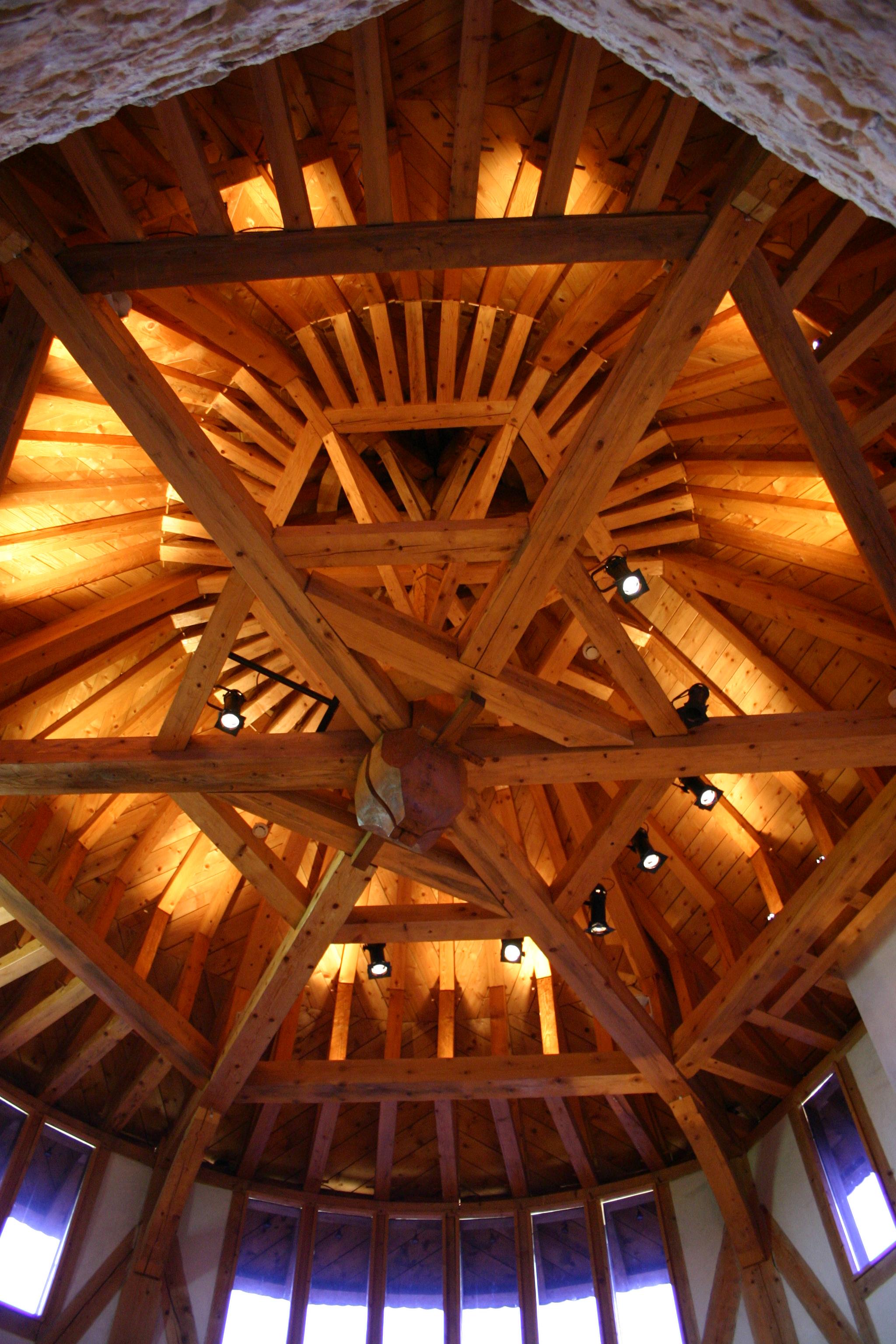 Château de Malbrouck charpente d'une tour