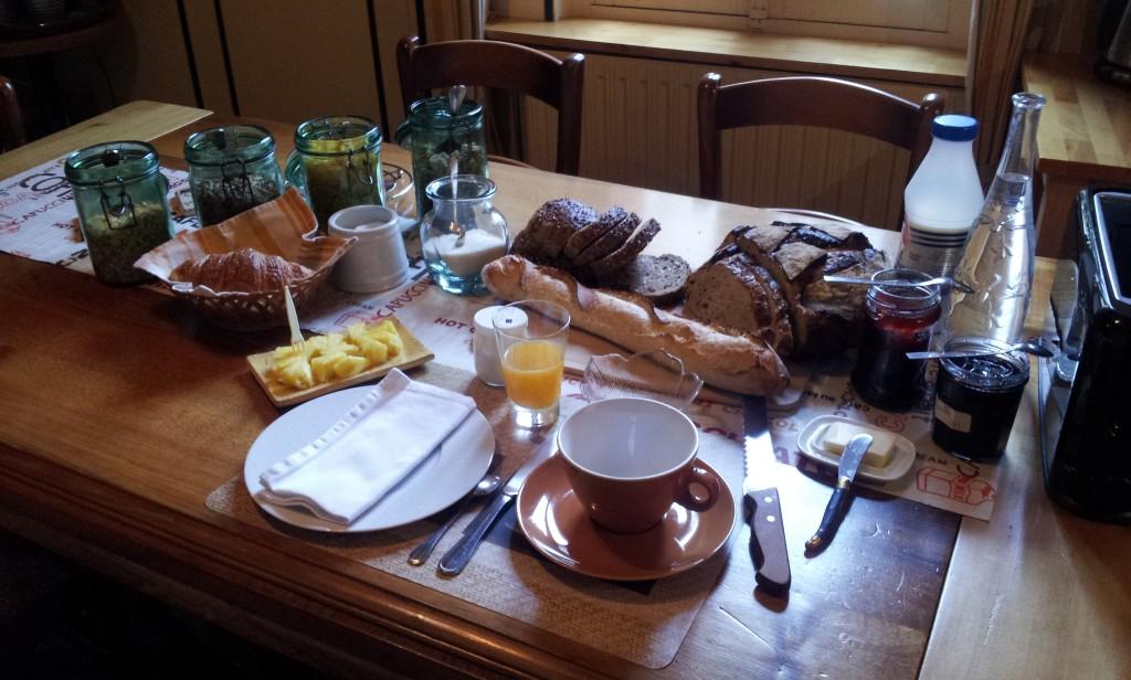 Les Conviv'hôtes, table du petit déjeuner