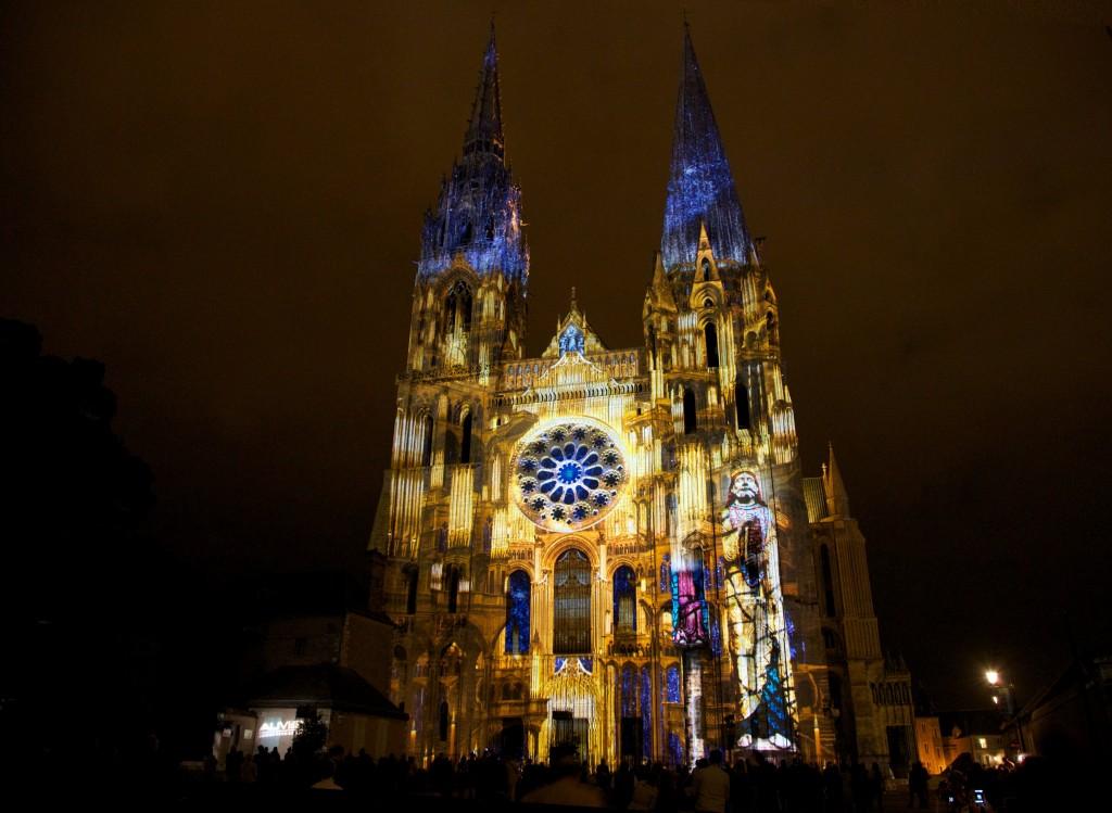 Chartres en Lumières -Portail Royal Final orgue dorélight - Copyright Spectaculaires- les Allumeurs d'images - Photo M.Anglada