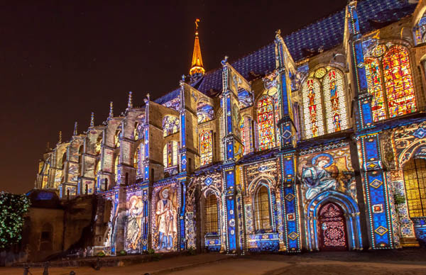 Eglise Saint-Pierre light - Copyright ça va être beau- Photo Cité Patrimoine - Office de Tourisme de Chartres