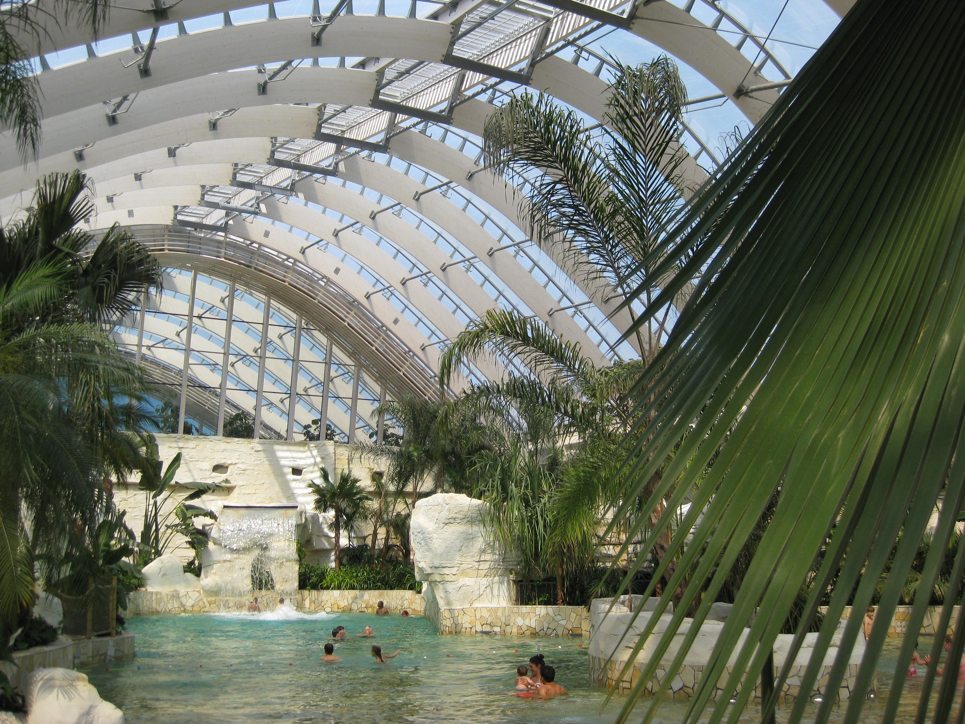 Le Bois aux Daims, un nouveau Center Parcs dans la Vienne # Riviere Sauvage Fermée Center Parc Bois Aux Daims