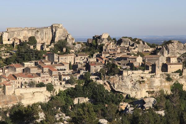 France, Bouches-du-Rhône (13), Les Baux-de-Provence. Vue sur le village des Baux