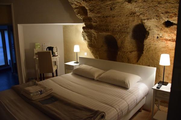Vacances insolites en anjou sites et h bergements troglos - Chambre troglodyte saumur ...