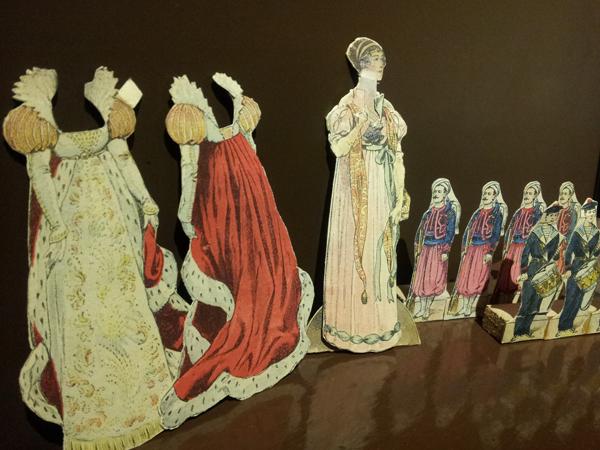 figurines en papier