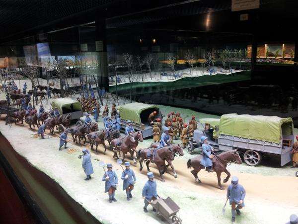 vitrine guerre 14-18 musee de la figurine historique compiegne