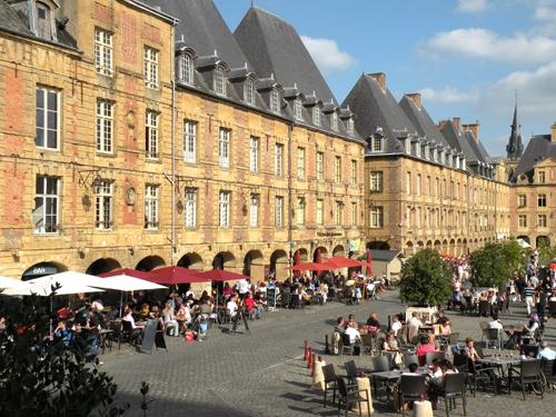 Place_Ducale_Charleville_Mezieres