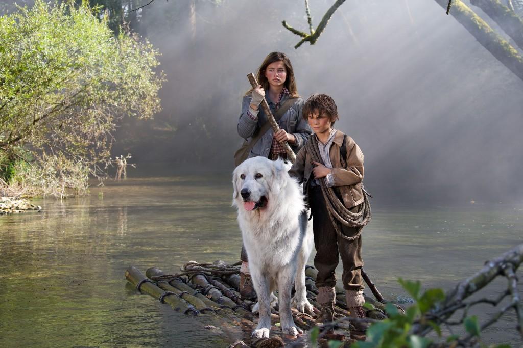Film Belle et Sébastien, l'aventure continue... Réalisé par Christian DUGAY. Exode des animaux. Izermore - 02/10/2014