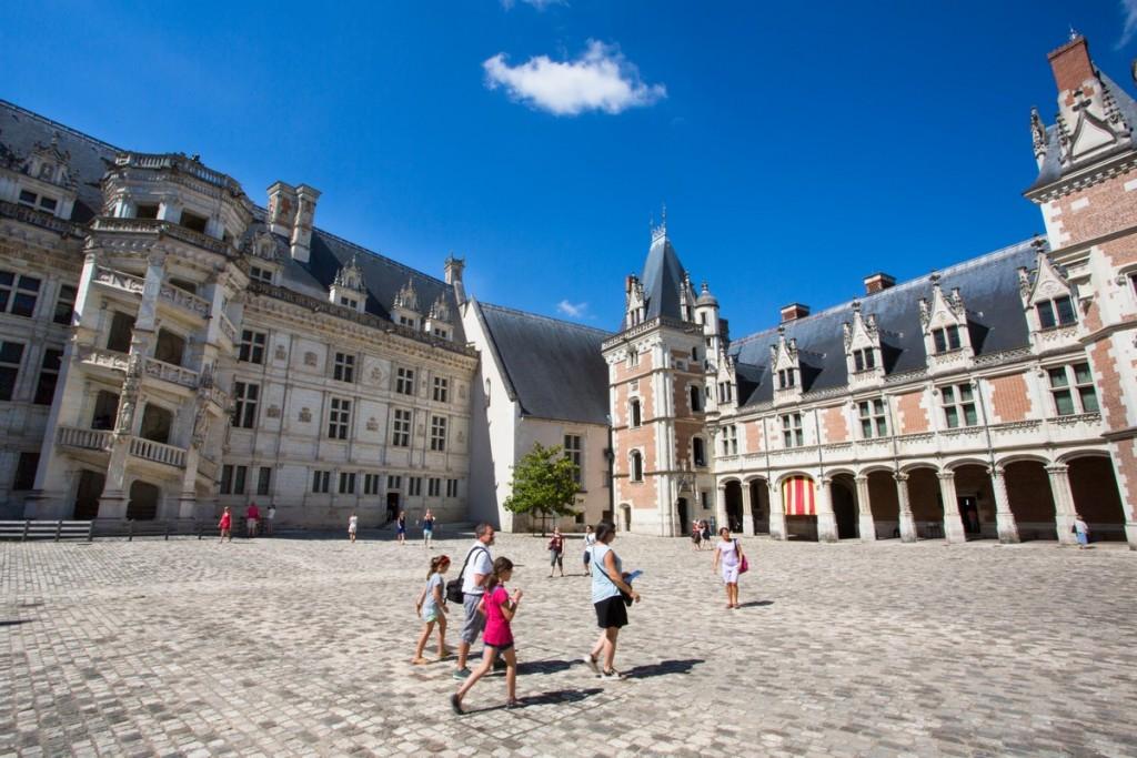Chateau-de-Blois-Cour-Honneur-Aile-Louis-XII-Aile-Francois-1er