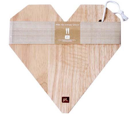 Planche à découper en bois coeur origami