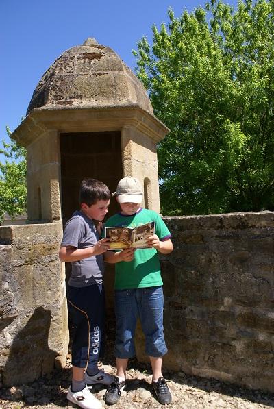 Chasse au trésor pour les enfants dans la cité fortifiée de Navarrenx