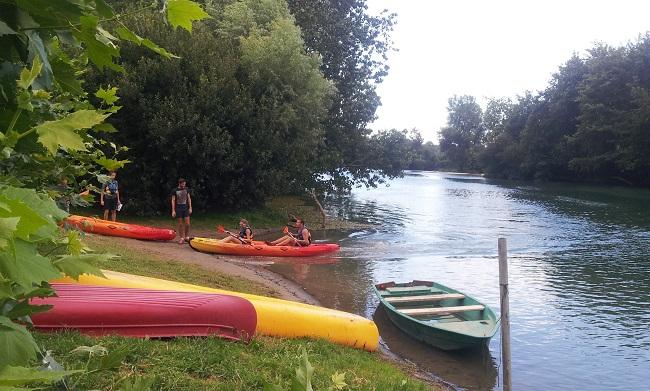 Arrivée à la base de canoë-kayak 2xAventures à Sordes l'Abbaye