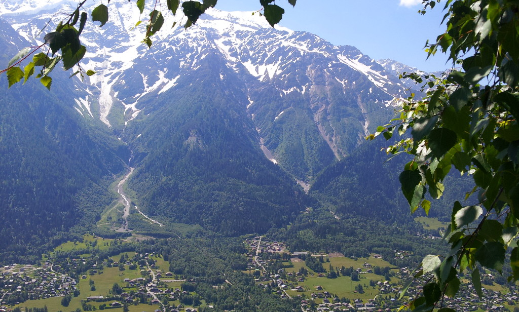 Vue panoramique sur Les Houches et le Massif du Mont-Blanc