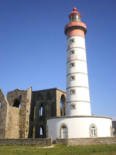 Phare-Pointe-Saint-Mathieu-Finistere