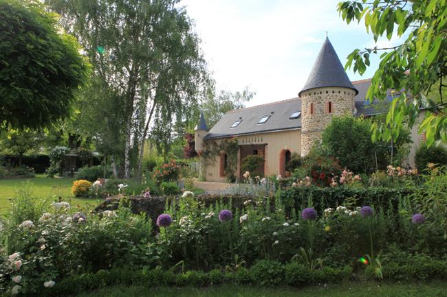 maison-dhotes-le-manoir-du-rouvre-loire-vue-jardin-credit-G.Leveque