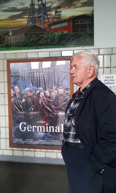 Arenberg-ancien-mineur-devant-affiche-Germinal