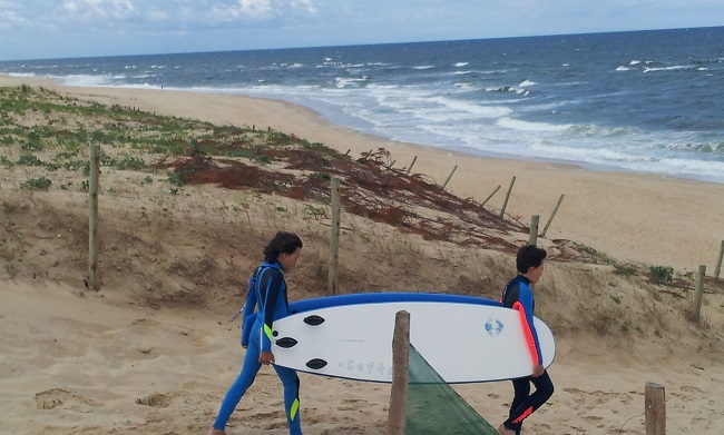initiation-surf-enfants-plage-moliets