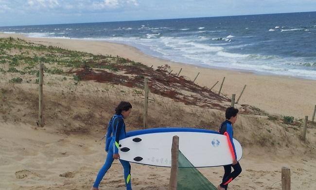 initiation-surf-enfants-plage-moliets