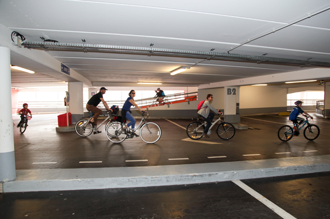 Velotour-Le-Havre-parking-docks