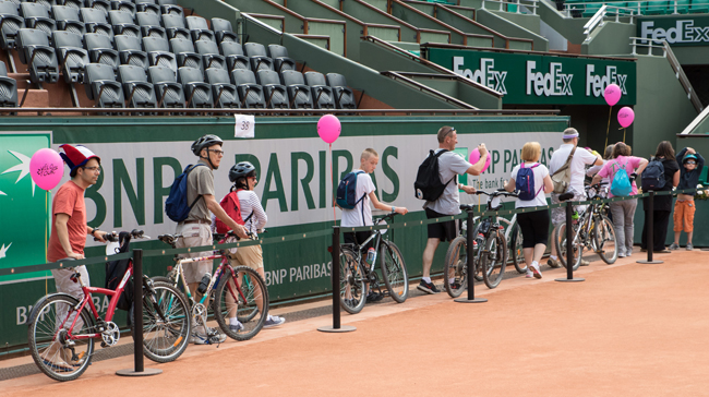 Velotour-Paris-stade-Roland-Garros