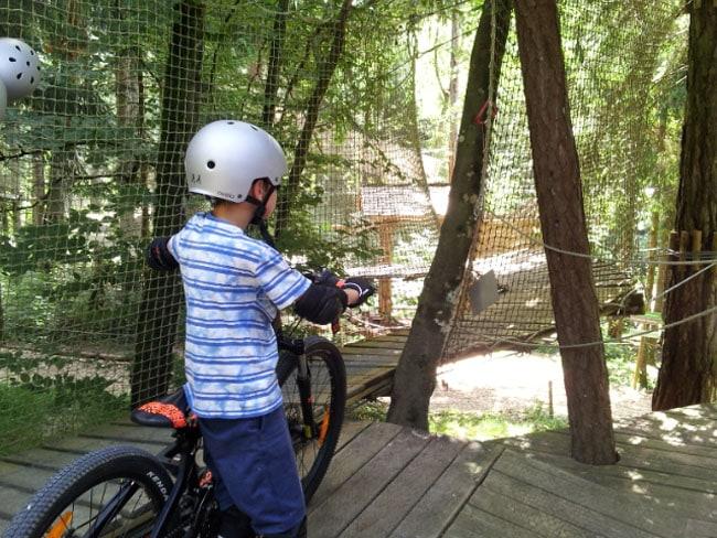 Acro'lac, vélo park dans les arbres