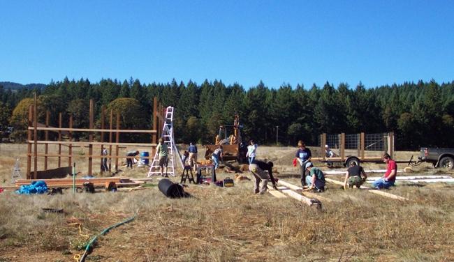 Wwoofing en famille, construction d'une ferme