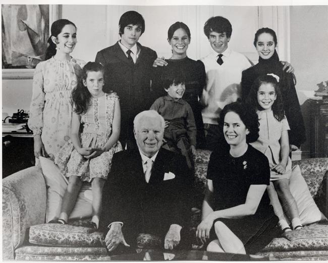Photo 25 ans de mariage de Charlie Chaplin, avec femme et enfants