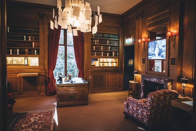 Bibliothèque de la maison Chaplin de Vevey