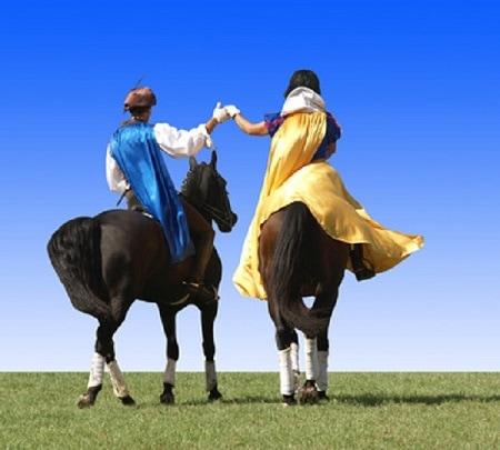 Blanche Neige et son prince à cheval