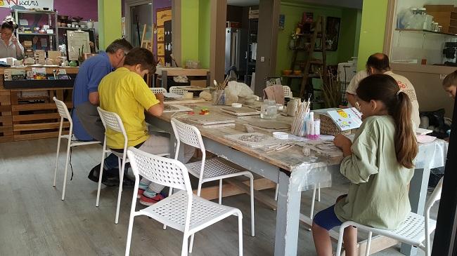 atelier poterie en famille maison des artisans du valjoly